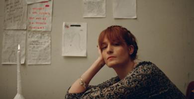 Escucha la nueva canción de Florence + The Machine