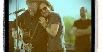 Eddie Vedder y Glen Hansard